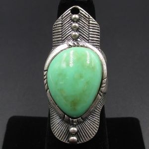 Size 6.5 Silver Tone Southwestern Green Stone Ring